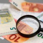 """Informācija no čekiem ar laiku """"izdziest""""; VID apliecina - naudu atgūt nevarēs"""